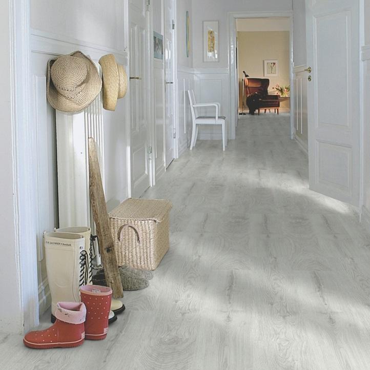 Светло-серый Classic Plank LMP Ламинат Дуб Серебрянный, Планка L1201-01807