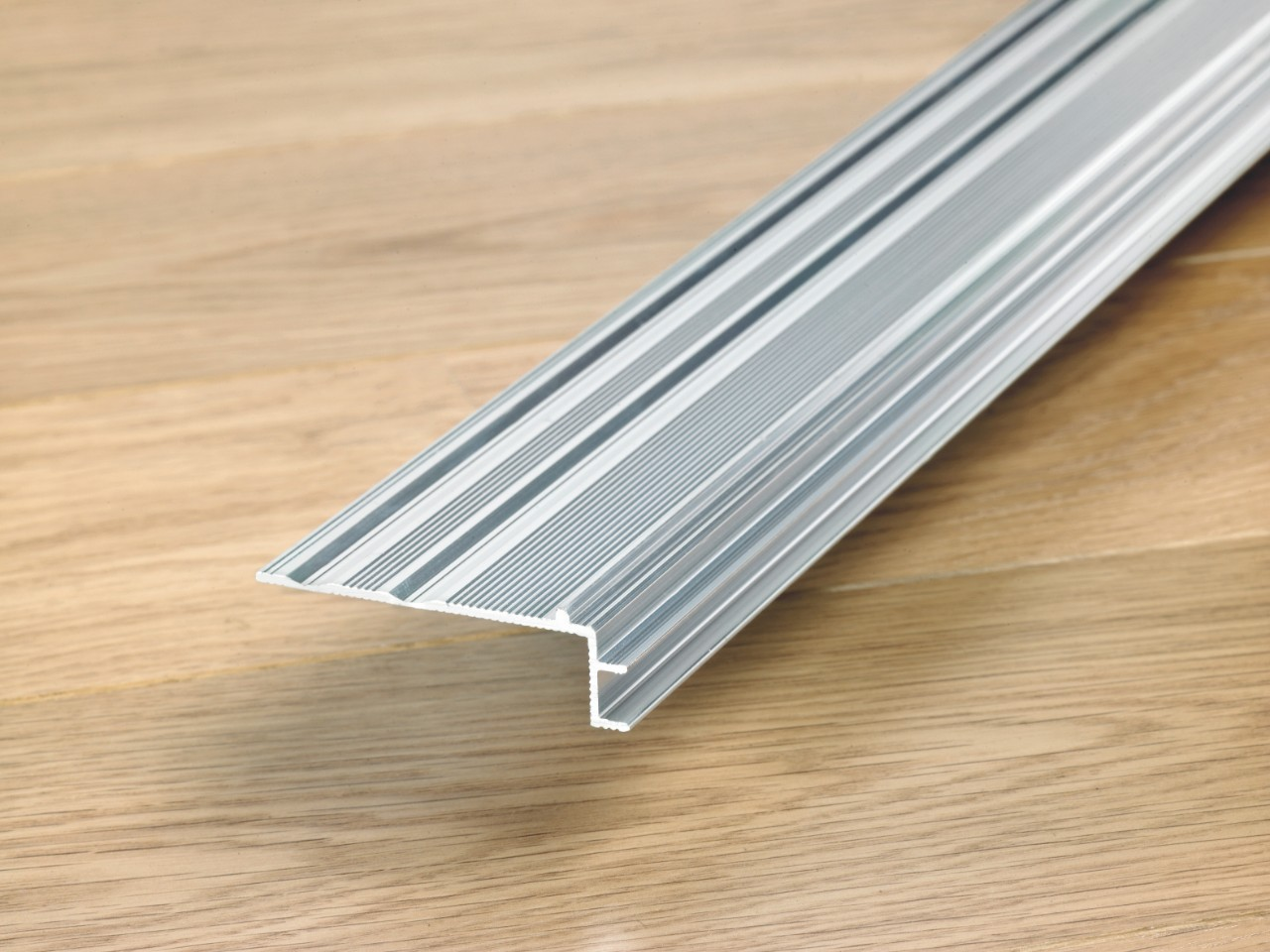 NEINCPBASE Laminate Accessories Incizo Aluminium Subprofile For Stairs NEINCPBASE5