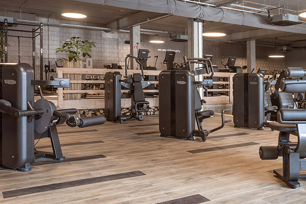 Pergo floor in woodsclub fitness concept