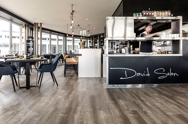 Pergo floor in Restaurant Bistronomy Improviste