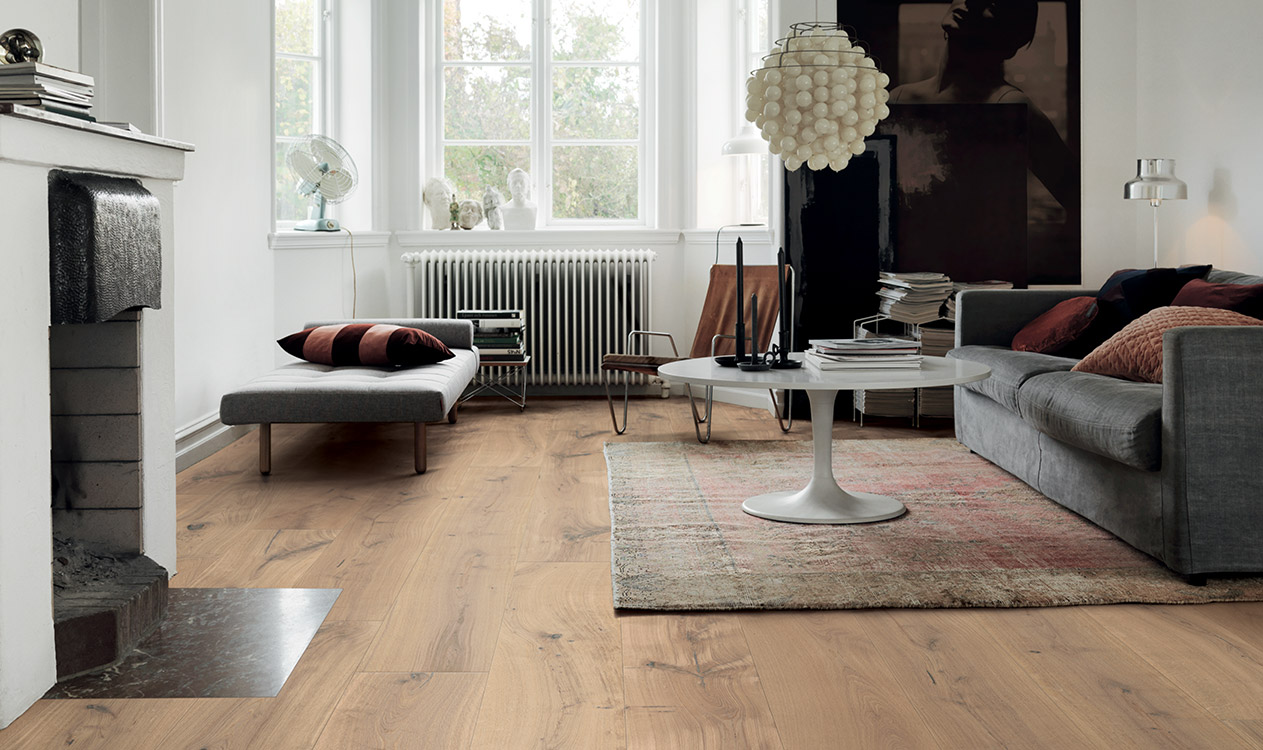 it 39 s this easy to lay a new parquet floor. Black Bedroom Furniture Sets. Home Design Ideas