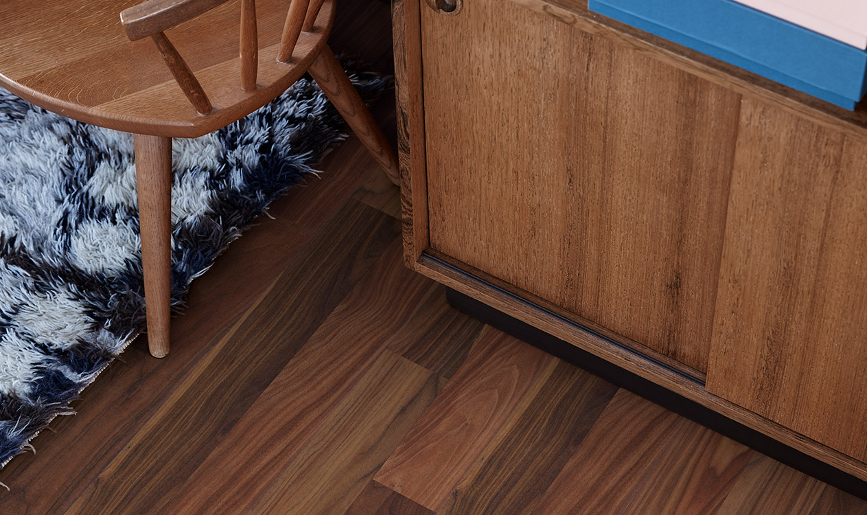 Walnut flooring – for those who want a vibrant floor in dark shades