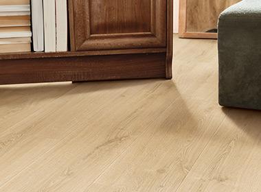 Laminate Or Vinyl What Floor Is Best, Pergo Versus Other Laminate Flooring